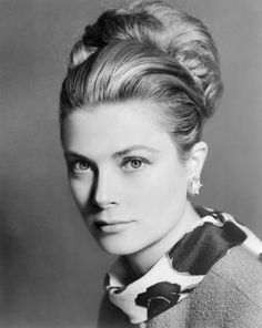 The ever exquisite Grace Kelly, Princess of Monaco. Lord, y'all, and that HAIR... what a glorious up-do!