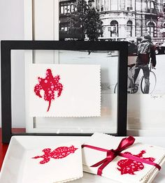 Custom Stationery Abstract fabric cutouts dress up plain card stock to make custom all-occasion greeting cards that also look great framed. Gel pen outlines and a decorative scalloped edge finish off the cards.