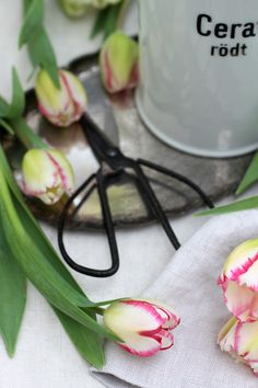 Creative with Flowers-#33-Romantic Tulips-Ingrid Henningsson-Of Spring and Summer