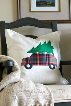 Bringing Home the Tree applique pillow by WinderandMainShoppe pillow covers Items similar to Bringing Home the Tree, applique pillow cover on Etsy Christmas Applique, Christmas Sewing, Christmas Deco, Christmas Projects, Holiday Crafts, Xmas, Cute Pillows, Diy Pillows, Decorative Pillows