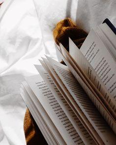 Jeder kann Bücher immer und überall lesen. Es gibt keinen Platz an dem man nicht lesen kann.