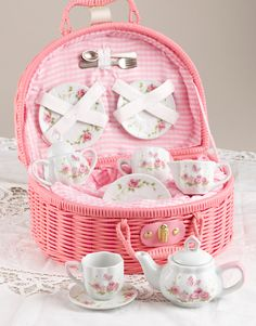 Delightful children's tea set with pink rose motif.Made of porcelain and packaged in a lined basket for storage. and teacups Rosen Tee, Childrens Tea Sets, Tea Set Kids, Café Chocolate, Everything Pink, My Tea, High Tea, Afternoon Tea, Wicker Baskets