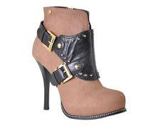 Jorge Bischoff's boots