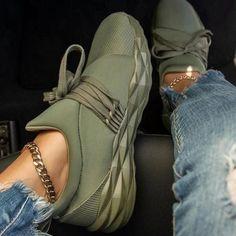 Julia - Diamond Sneaker Moda Sneakers, Sneakers Mode, Slip On Sneakers, Casual Sneakers, Casual Shoes, Burgundy Sneakers, Platform Sneakers, Shoes Sneakers, Green Sneakers