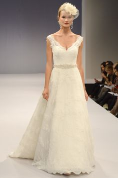 Anne Barge – Bridal Fall 2013    TAGS:Empire line, Floor-length, Train, Cream, Ivory, Anne Barge, Lace, Silk, Elegant, Romantic