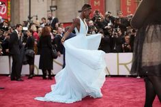 Lupita Nyong'o in Light Blue Prada Dress at Oscars 2014 Cate Blanchett, Duck Egg Blue Dress, Oscar Pictures, Elle Blogs, Oscars 2014, Prada Dress, Dior Dress, Lupita Nyongo, Marine Uniform