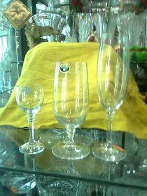 COPAS Y VASOS PERU: COPAS DE CRISTAL - VENTA White Wine, Wine Glass, Alcoholic Drinks, Tableware, Vases, Puertas, Crystals, Dinnerware, Dishes