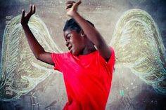 Art Projects for Kids: Chalk Board Angel Wing Portraits Photo Projects, Projects For Kids, Art Projects, Auction Projects, Art Auction, Kids Crafts, Artists For Kids, Art For Kids, Hope Art