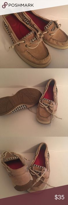 Ladies sperrys anchor design Ladies sperrys anchor design size 6 one of the laces has some tearing at the end shown in pictures Shoes Flats & Loafers