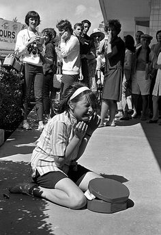 """my-retro-vintage: """"A young fan cries uncontrollably as her heroes, The Beatles, leave America for the UK, 1964 """" Photos Du, Old Photos, Les Beatles, Portraits, The Fab Four, Ringo Starr, Paul Mccartney, Ancient History, Historical Photos"""
