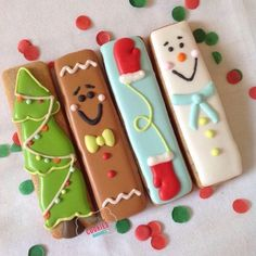 Christmas Cookie Sticks by Twice upon a Time Cookies. Iced Cookies, Cute Cookies, Royal Icing Cookies, Cookies Et Biscuits, Cupcake Cookies, Cupcakes, Christmas Sugar Cookies, Christmas Sweets, Noel Christmas