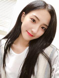 WJSN BR #WJ_PLEASE? (@BRWJSN)   Twitter Cute Korean Girl, Korean Girl Groups, Bubblegum Pop, Cosmic Girls, Girl Bands, Airport Style, Beautiful Asian Women, Kpop Girls, My Girl