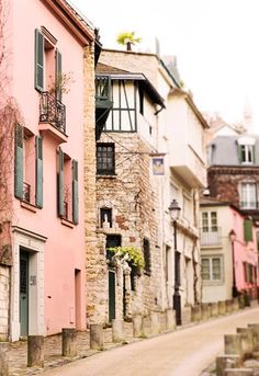 The streets of Paris are oh so pretty.
