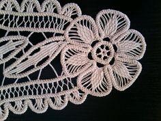 Doily Romanian Point Lace ECRU Beige Tri-Floral by ValeriasShop