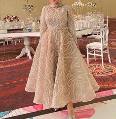 Muslim Evening Dresses, Hijab Evening Dress, Hijab Dress Party, Long Sleeve Evening Dresses, Evening Dresses For Weddings, Prom Dresses With Sleeves, Modest Dresses, Modest Fashion Hijab, Fashion Dresses