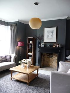 Decorating with dark colours, grey lounge. in 2019 domy, mieszkania. Dark Living Rooms, Living Room Interior, Home Decor Bedroom, Home Living Room, Home Interior Design, Living Room Decor, Modern Living, Dark Grey Rooms, Dark Walls
