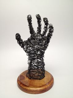sculptures of hands | Wire Sculpture Hand - Frank Marino Baker - Wire Art | Frank Marino ...
