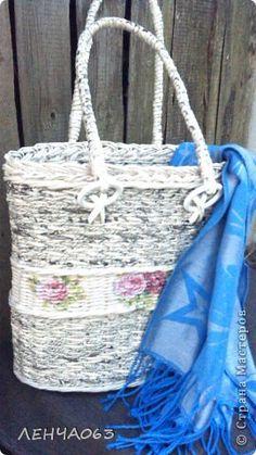 Поделка изделие Плетение Cумка- торба Бумага газетная Картон Салфетки Трубочки бумажные фото 1