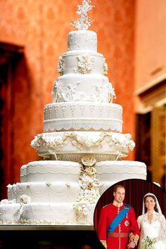 William and Kate wedding cake Extravagant Wedding Cakes, White Wedding Cakes, Beautiful Wedding Cakes, Beautiful Cakes, Royal Cakes, Royal Brides, Royal Weddings, Kate Middleton Wedding, Prinz William