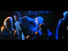 Justin Theroux crazy dance from American Psycho - YouTube