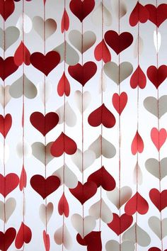 53 Awesome Valentines Day Decoration For Inspiration. Love decorates the mood every February 14 and the Valentine's Day decorations speak the heart for you ! So all you have to do this Valentine's. Valentines Decoration, Decoration Birthday, Diy Party Decorations, Heart Decorations, Outdoor Decorations, Diy Centerpieces, Paper Decorations, Valentines Day Photos, Valentines Day Party