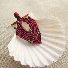 Another arrow-shaped pendant in my favorite color   #micromacrame #darkred #macramé #etsysellers #etsyshop #etsy #handmade #handmadejewelry #macramejewelry #handmadependant #mediterraneanstyle #supportsmallbusiness #shopsmall #smallbusiness #buylocal #buyhandmade #dubrovnik #croatia #handcrafted #inspiration #creativelife #bohochic #bohostyle #instajewelry #instahandmade #seashell