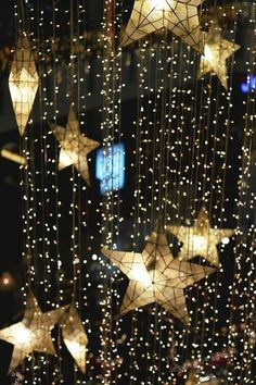 Hollywood Thrills   Glamorous Party Ideas   Oscar Party   Twinkling lights and stars make sparkling party decor