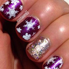 Notd Snowflake Mani. Julep Rita with MDU White stamping. Accent nail, Julep Zelda and Paris. #NOTD #nails #nailart #julepmaven #JulepMerryMani #JulepRita #JulepZelda #JulepParis #Mdu #ManiMonday