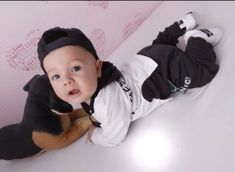 Black and White Hoodie Sweatsuit Little Gentleman, Romper Suit, Boy Models, Hoodie Outfit, White Hoodie, Our Baby, Baby Boy Outfits, Outfit Sets, Trendy Fashion
