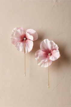 Bridal Jewelry BHLDN Blushing Cherry Blossom Earrings - Flower petals held together with pearl, glued to earring back and chain as embellishment Ear Jewelry, Cute Jewelry, Bridal Jewelry, Jewelery, Jewelry Accessories, Jewelry Design, Jewelry Making, Gold Jewelry, Ring Making