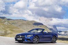 Mercedes-Benz SL 500  [Mercedes-Benz SL 500: Kraftstoffverbrauch kombiniert: 9,0 l/100km   CO₂ Emission: 205 g/km]  (by: mercedesbenz_de )