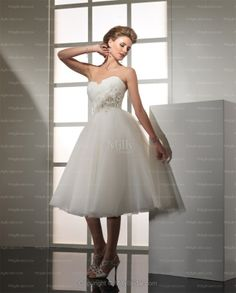 White Ball Gown Sweetheart Chiffon Hand Made Flower Knee-length Wedding Dress