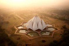 Le Temple du Lotus, lieu de culte baha'i près de Delhi, en Inde