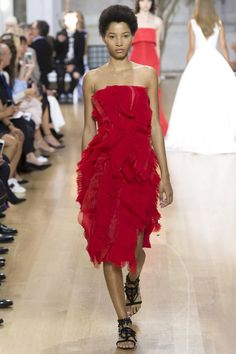 Oscar de la Renta and Monse to show together at New York Fashion Week | Vogue Paris
