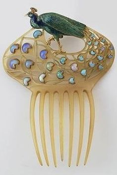 Rosamaria G Frangini | HighJewellery Classic | Renè Lalique | Peacock Comb - ca.1905.