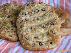 Vynikajúci syrový chlebík s chrumkavou kôrkou.... Bread Maker Machine, Bread Machine Recipes, Bread Recipes, Sweet Butter, Make Banana Bread, Russian Recipes, Naan, Vegan Gluten Free, Bagel