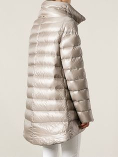 The best of designer women's oversized coats & cocoon coats are at Farfetch. Coats For Women, Jackets For Women, Red Bomber Jacket, Cool Style, My Style, Puffy Jacket, Oversized Coat, Down Coat, Outerwear Women