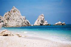 Spiaggia delle Due Sorelle - Ancona monte conero