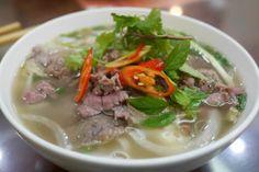 Vietnamská polévka Pho Bo s rýžovými nudlemi Pho Bo, Ramen, Soup, Dinner, Ethnic Recipes, Asia, Dining, Dinners, Soups