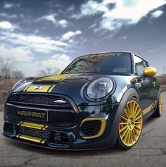 Scarica sfondi Mini Cooper S, 2017 auto, tuning, Manhart Racing, Mini Mini Cooper S, Mini Cooper Negro, Mini John Cooper Works, Mini Cooper Tuning, Mini Cooper Custom, Supercars, Gold Wheels, Car Wheels, Automobile