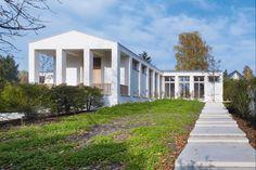 Ein Haus als städtebauliche Setzung. Es ordnet die Bedürfnisse der Familie und überträgt sie als Figur in die zufällig agglomerierte Besiedlung   Uwe Schröder ©Stefan Müller, Berlin