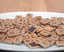 Kühlschrank-Magnete aus Scrabble-Buchstaben