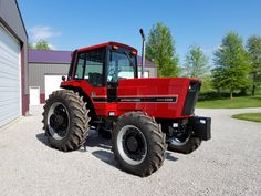 This is 3488 mfwd. Not many of these tractors built. My family and I appreciate the ongoing support ! I hope everyone enjoys the photos! Vintage Tractors, Old Tractors, Vintage Farm, International Tractors, International Harvester, End Of An Era, Heavy Machinery, Case Ih, Rubber Tires