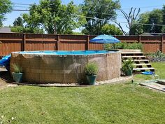 Above Ground Pool Stairs/Steps Build – Leah Daecher Tropical Backyard Landscaping, Above Ground Pool Landscaping, Backyard Pool Designs, Backyard Patio, Landscaping Ideas, Landscaping Plants, Oberirdischer Pool, Intex Pool, Diy Pool