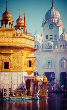 The Golden Temple Amritsar India (Sri Harimandir Sahib Amritsar) is not only a central religious place of the Sikhs, but also a symbol of human brotherhood and equality. Punjab Culture, India Culture, Gangtok, Northeast India, North India, Bhutan, Tourist Places, Places To Travel, Nepal