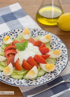 Receta de ensalada de pepino y yogur. Con fotos del paso a paso, los ingredientes y la presentación. Trucos y consejos de elaboración. Recetas...