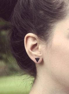 Cheap fashion stud earrings, Buy Quality stud earrings directly from China stud earrings for women Suppliers: Earings Fashion Jewelry 2017 Black Silver Color Alloy Punk Triangle Round Flash Stud Earrings For Women Gifts Jewelry Gold Color Jewelry Gifts, Gold Jewelry, Jewelry Accessories, Fine Jewelry, Women Jewelry, Ear Jewelry, Bridal Jewelry, Jewelry Logo, Ruby Jewelry
