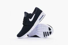 Nike Janoski Max in Black Suede