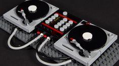 Turntables (Disco Set) aus LEGO mit Technics SL 1200 Plattenspieler
