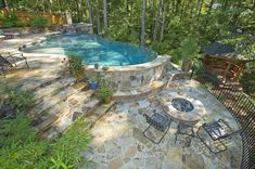 42 Awesome Natural Small Pools Design ideas for the private garden - draussen - Garten Design Small Backyard Design, Small Backyard Pools, Backyard Pool Landscaping, Backyard Pool Designs, Small Pools, Swimming Pools Backyard, Swimming Pool Designs, Pool Spa, Landscaping Ideas